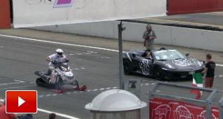 Veo tu Ferrari F430 Spider y subo una moto de nieve