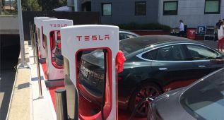 Instalado el primer supercargador Tesla en España