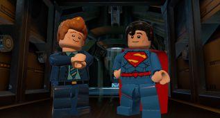 Conan O'Brien, Stephen Amell y Kevin Smith en LEGO Batman 3