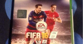 Deja a su novia por el FIFA 16