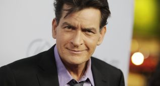 El actor Charlie Sheen revela que es portador del VIH-SIDA