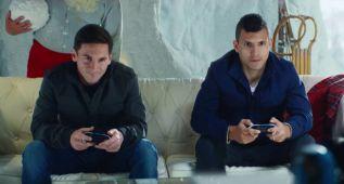 Messi, Agüero y Papa Nöel, en el spot navideño del FIFA (vídeo)
