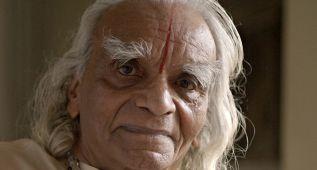 BKS Iyengar, uno de los grandes maestros del yoga