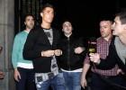 10 locales para los 'cazaselfies' de futbolistas en Madrid