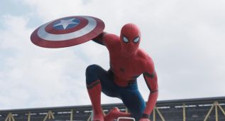 Así ha evolucionado el traje de Spiderman hasta el de 'Civil War' con Tom Holland