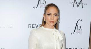 Jennifer López y otras estrellas brillan en los premios FLAs