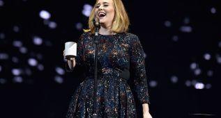 Adele se marca un intento de 'twerking' en directo