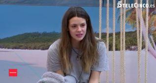 Laura Matamoros tararea 'Cara al sol' y piden su expulsión