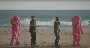 Estopa lanza el videoclip de 'Gafas de Rosa'