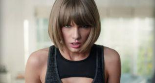 Taylor Swift se cae 'de boca' en el último spot de Apple