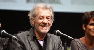 Ian McKellen devuelve un millón de euros para no escribir su libro