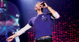 Chris Martin sorprende a su hijo en un concierto
