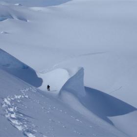 Fiennes hará su viaje más frío