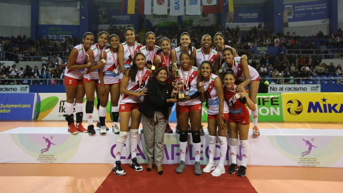 4a4b553aace66 Voleibol  Perú arrasa en el clasificatorio y se acerca al Challenger ...