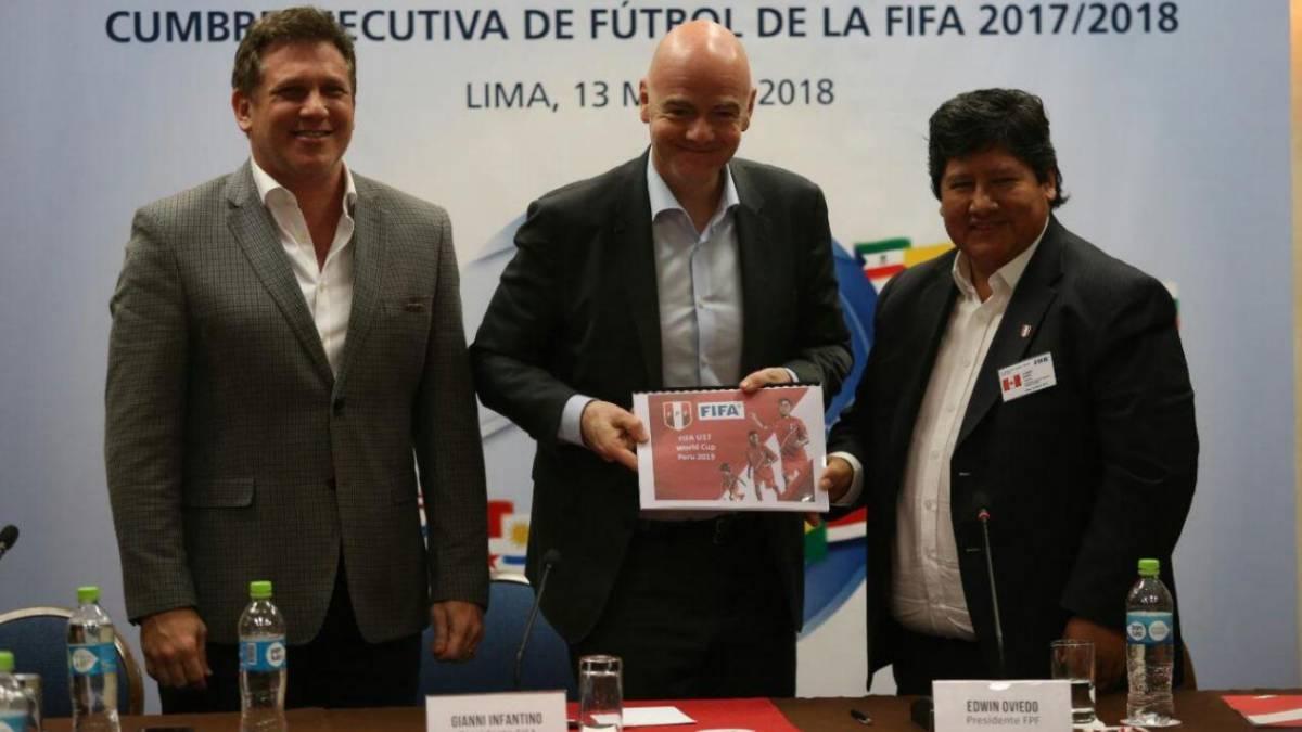 FIFA suspenderá a fútbol peruano en caso Congreso modifique ley