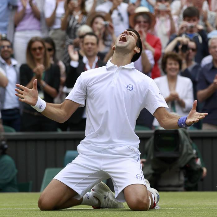 Novak Djokovic desbanca a Nadal del número uno