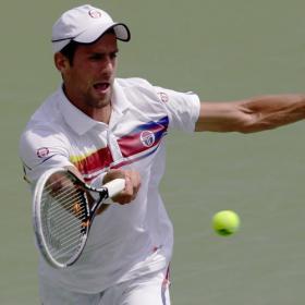Novak Djokovic mantiene las distancias con Rafa Nadal
