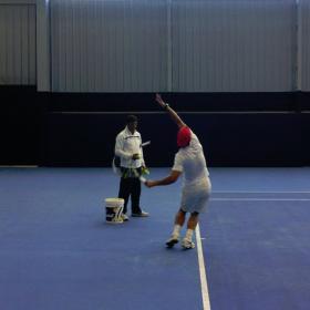 Rafa Nadal vuelve a entrenarse en pista para volver pronto