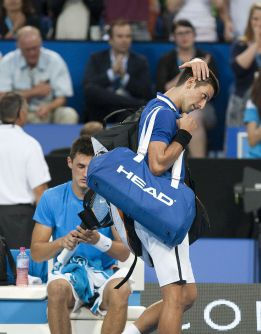 Djokovic sucumbe ante Tomic, y Anna Ivanonic iguala el duelo