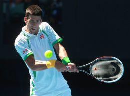 Djokovic debuta con una cómoda victoria ante Mathieu