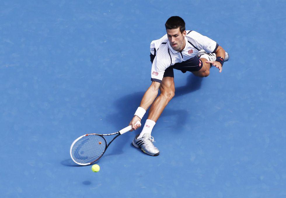 Novak Djokovic liquida a Stepanek y ya está en octavos