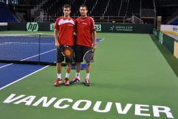 España ya se entrena en la moqueta de Vancouver