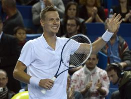 Berdych arrasa a Tursunov y espera rival para la final