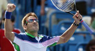 Robredo da la gran sorpresa y elimina al número 1 Djokovic