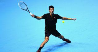 Djokovic arrasa y está a un partido de cerrar número uno