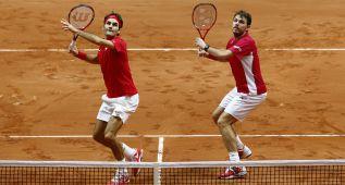 Federer y Wawrinka dejan a Suiza a un punto de la Davis