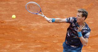 Berdych gana a Monfils y espera en la final a Novak Djokovic