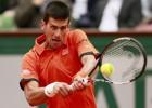 Novak Djokovic avanza en tres sets tras un susto en el segundo