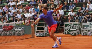 Federer despacha a Dzumhur y le espera el francés Monfils