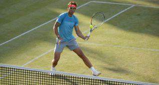 Rafa Nadal ya se entrena en las pistas de Wimbledon