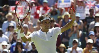 Federer se impone a Dzumhur y Murray se estrena con victoria