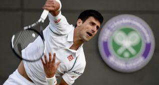 La falta de luz frena la remontada de Novak Djokovic