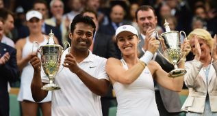 Martina Hingis, dos títulos en dobles a los 34 años