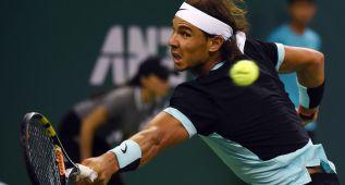 Nadal levanta un 1-6 y 3-5 ante Lukas Rosol en primera ronda