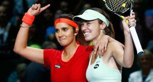 Muguruza y Carla Suárez se rinden ante Hingis y Mirza
