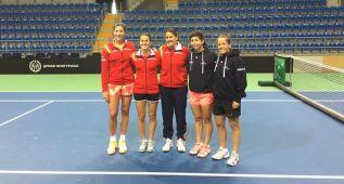España, con Garbiñe y Carla, ya está en Serbia para la Fed Cup