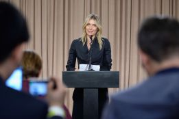 María Sharapova anuncia que ha dado positivo durante la rueda de prensa