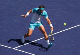 Nadal anula a Nishikori y tiene a Novak Djokovic en semifinales
