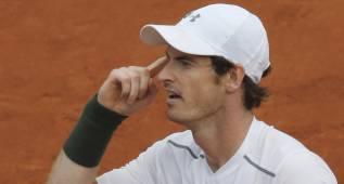 Andy Murray gana con suspense y se medirá a Ivo Karlovic