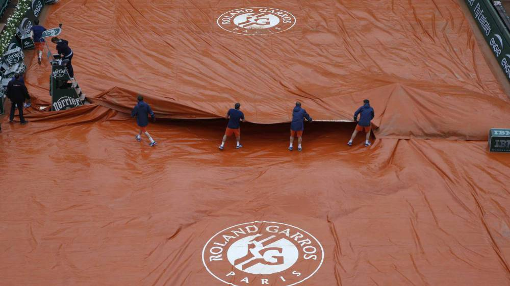 Wimbledon y Roland Garros se intercambian tweets por la lluvia en el Grand Slam francés