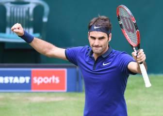 Federer solventa su estreno en Halle ante el local Struff