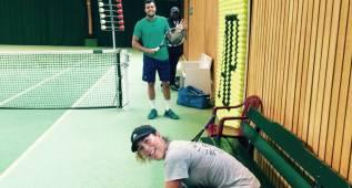 Garbiñe Muguruza entrena con Tsonga de cara a Wimbledon
