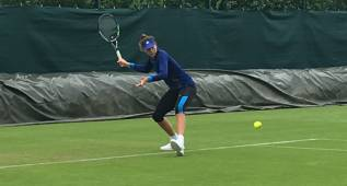 Garbiñe Muguruza ya entrena sobre la hierba de Wimbledon
