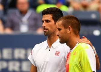 Novak Djokovic, en octavos con sólo un partido completo