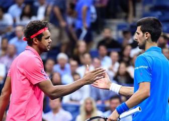 Djokovic llega a semifinales tras una nueva retirada