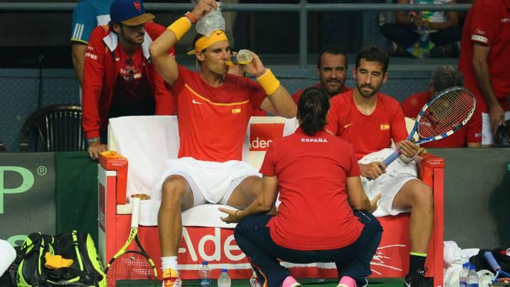 El dobles de oro Nadal-López devuelve a España a primera